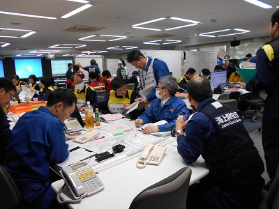 青森県災害対策本部図上訓練を参観しました(青森市)。