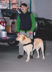 青森警察署で、捜索犬のデモンストレーションを行いました。