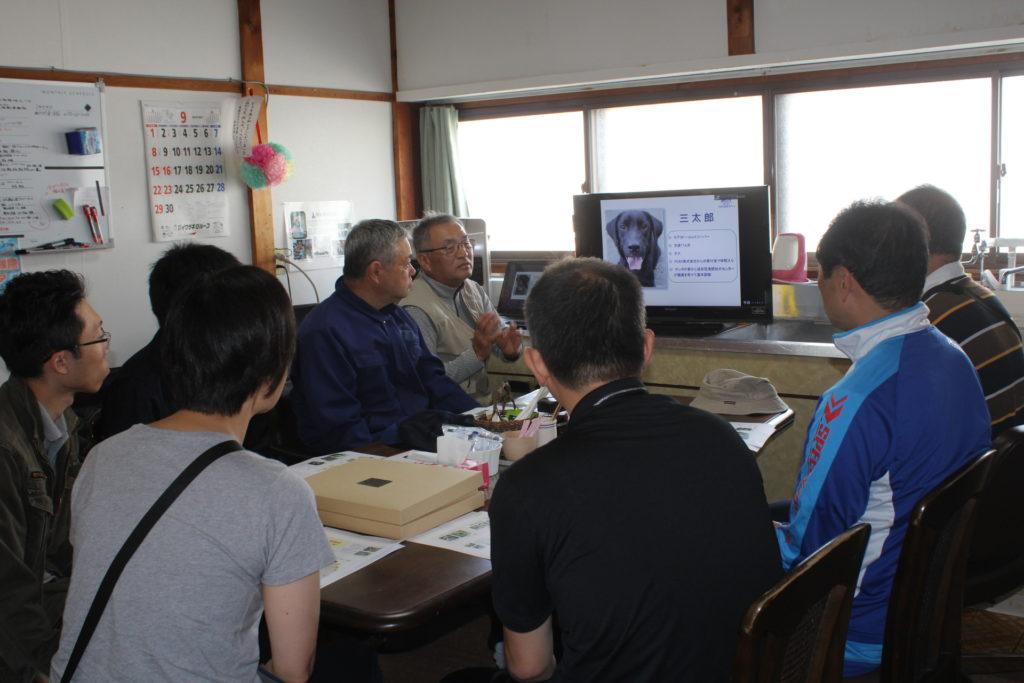 青森南警察署員と警察犬に関する勉強会を行いました(青森市浪岡)。